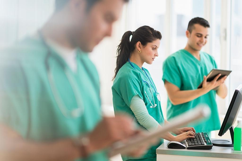 What You Need to Know in a Certified Nursing Assistant Training Program