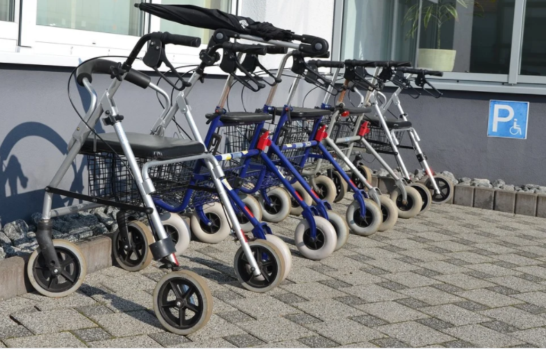 Mobility Aids – A Boon to Elderly to Move Around with Confidence